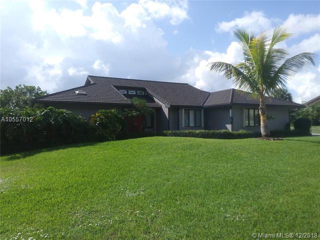 1068 NE Quinn Pl, Jensen Beach, FL 34957 (MLS #A10557012) :: The Riley Smith Group