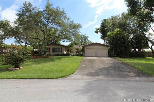 8520 SW 184th Ln, Cutler Bay, FL 33157 (MLS #A10557423) :: Green Realty Properties