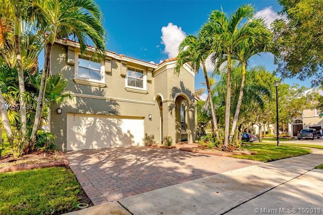 5202 SW 158th Ave, Miramar, FL 33027 (MLS #A10557485) :: The Teri Arbogast Team at Keller Williams Partners SW