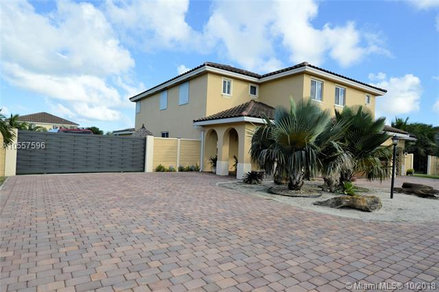 21051 SW 134th Ave, Miami, FL 33177 (MLS #A10557596) :: The Teri Arbogast Team at Keller Williams Partners SW