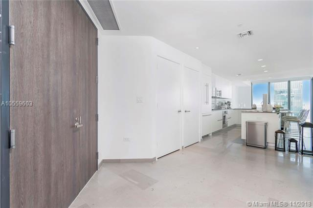 88 SW 7th St #3901, Miami, FL 33130 (MLS #A10559603) :: The Riley Smith Group