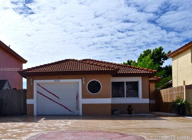 8600 NW 196th Ter, Hialeah, FL 33015 (MLS #A10560257) :: Green Realty Properties