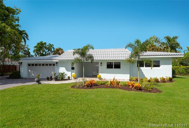 2617 NE 35th St, Fort Lauderdale, FL 33306 (MLS #A10562065) :: The Riley Smith Group