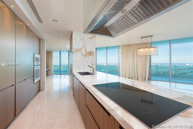 900 Biscayne Blvd #5506, Miami, FL 33132 (MLS #A10562480) :: The Paiz Group