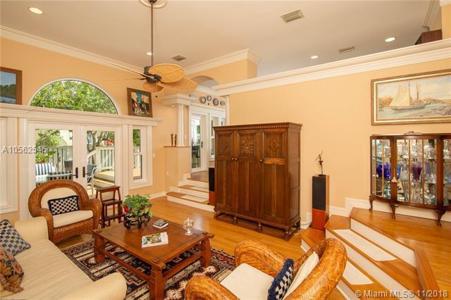 300 NE 11th Avenue, Fort Lauderdale, FL 33301 (MLS #A10562545) :: Prestige Realty Group