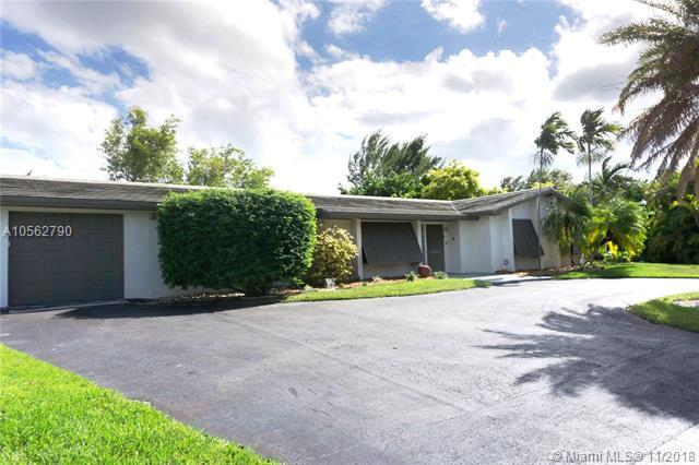 13931 SW 92nd Ave, Miami, FL 33176 (MLS #A10562790) :: The Riley Smith Group