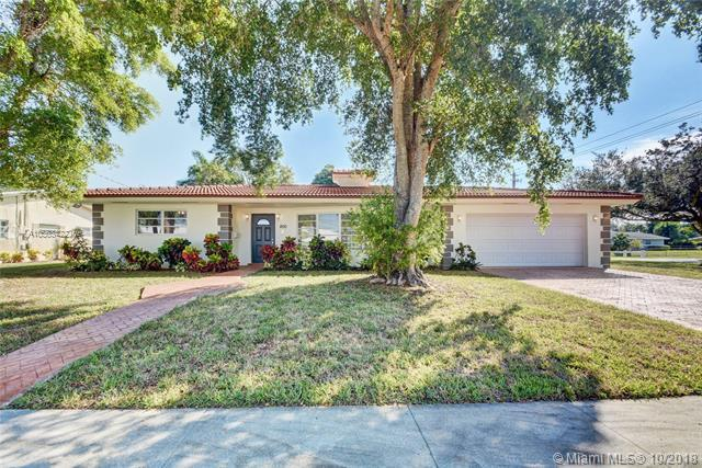 800 NW 72nd Ave, Plantation, FL 33317 (MLS #A10563422) :: The Teri Arbogast Team at Keller Williams Partners SW