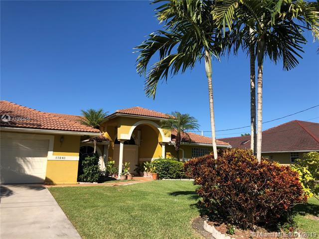 11241 NW 22nd St, Plantation, FL 33323 (MLS #A10564018) :: The Teri Arbogast Team at Keller Williams Partners SW