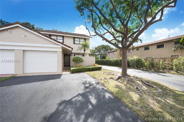 9031 SW 113th Place Cir W, Miami, FL 33176 (MLS #A10565202) :: Green Realty Properties