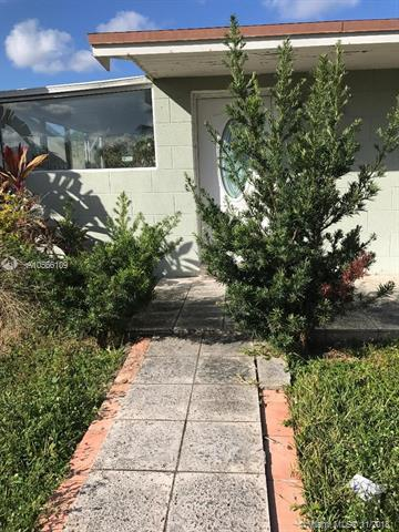 7741 Meridian St, Miramar, FL 33023 (MLS #A10566109) :: Green Realty Properties
