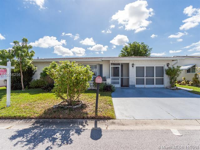 6910 NW 11th Ct, Margate, FL 33063 (MLS #A10566256) :: The Riley Smith Group