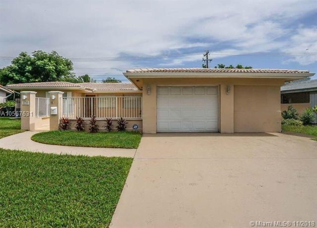 2193 NE 61st Ct, Fort Lauderdale, FL 33308 (MLS #A10567631) :: The Riley Smith Group