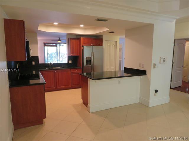 7514 SW 102nd St #107, Pinecrest, FL 33156 (MLS #A10569791) :: Prestige Realty Group