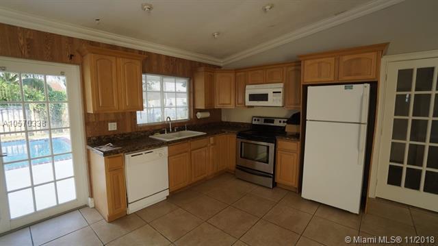 13031 SW 259th St, Homestead, FL 33032 (MLS #A10570338) :: Prestige Realty Group