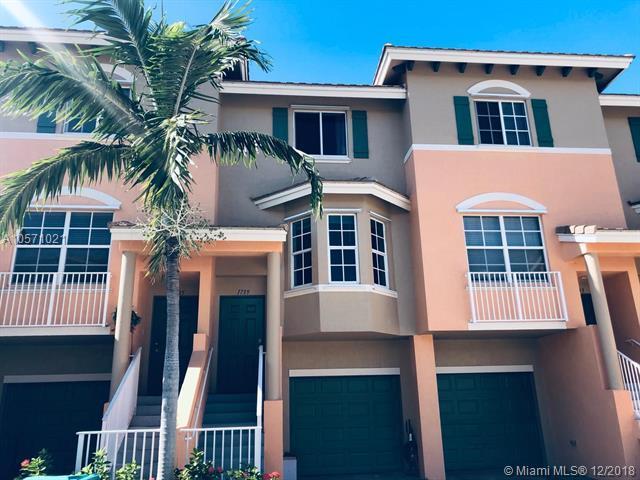 1739 NE 6th St, Boynton Beach, FL 33435 (MLS #A10571021) :: Miami Villa Team
