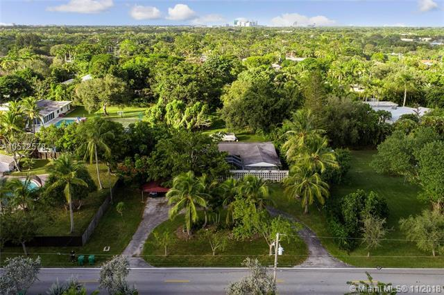 7601 SW 132nd St, Pinecrest, FL 33156 (MLS #A10572578) :: The Adrian Foley Group