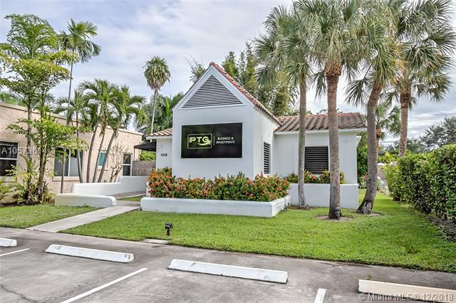 1318 SE 1ST AVE, Fort Lauderdale, FL 33316 (MLS #A10573614) :: The Teri Arbogast Team at Keller Williams Partners SW
