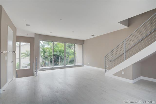 612 NE 12th Ave #628, Fort Lauderdale, FL 33304 (MLS #A10574331) :: The Howland Group