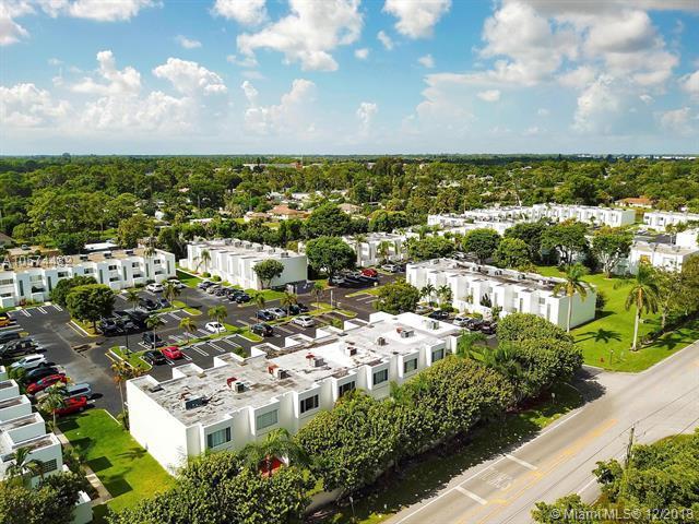 5070 Elmhurst Rd C, West Palm Beach, FL 33417 (MLS #A10574432) :: The Teri Arbogast Team at Keller Williams Partners SW