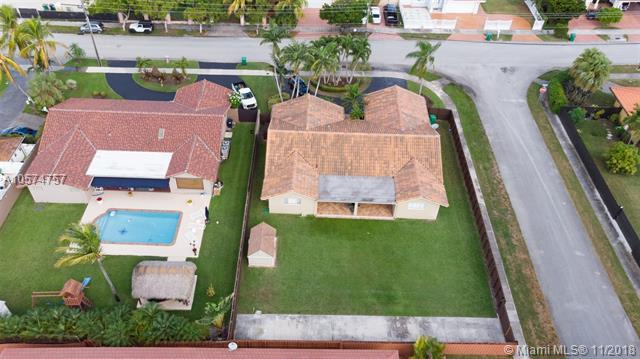 10010 SW 28th St, Miami, FL 33165 (MLS #A10574757) :: Green Realty Properties