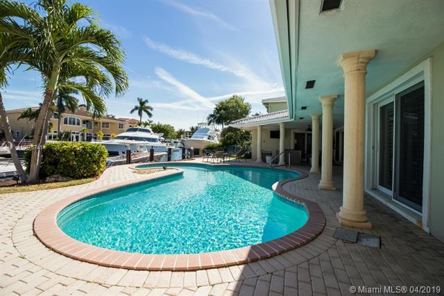 3720 NE 27th Ave, Lighthouse Point, FL 33064 (MLS #A10575741) :: The Riley Smith Group