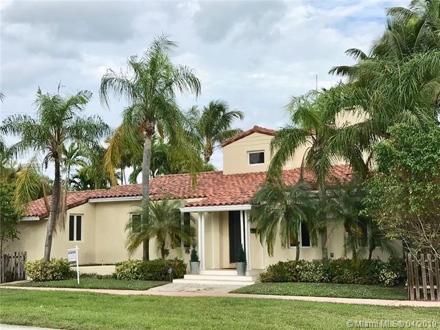 4951 Cherokee Ave, Miami Beach, FL 33140 (MLS #A10576375) :: The Brickell Scoop