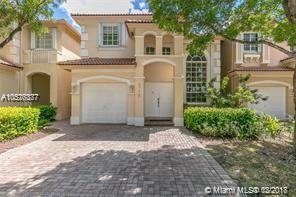 6773 NW 107th Pl, Doral, FL 33178 (MLS #A10576377) :: The Riley Smith Group