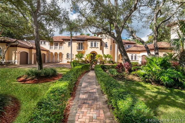 10550 Old Cutler Rd, Coral Gables, FL 33156 (MLS #A10578612) :: The Maria Murdock Group