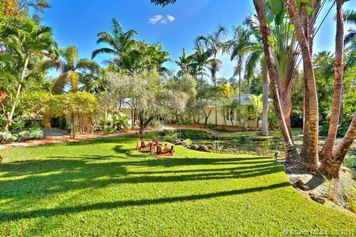 5440 Kerwood Oaks Dr, Coral Gables, FL 33156 (MLS #A10579008) :: The Maria Murdock Group