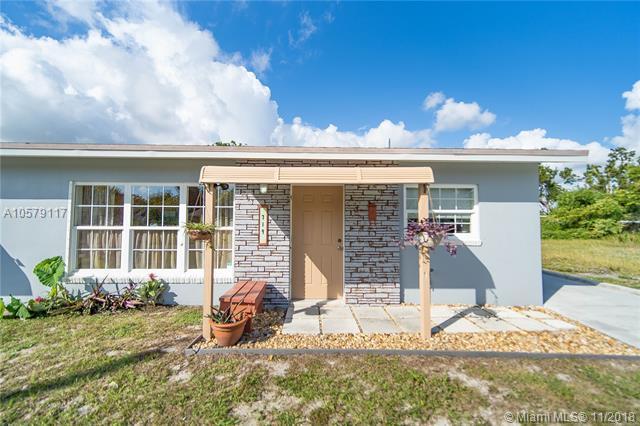 719 SE 3rd St, Boynton Beach, FL 33435 (MLS #A10579117) :: Miami Villa Team