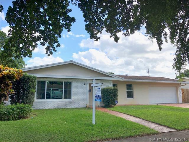716 NW 48th Ave, Plantation, FL 33317 (MLS #A10579629) :: Miami Villa Team