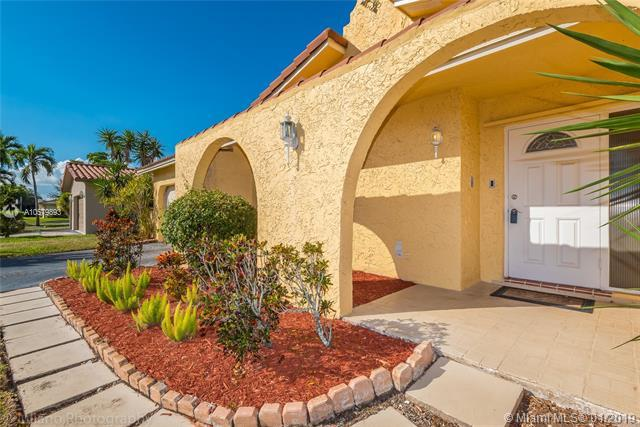 11913 NW 31st St, Coral Springs, FL 33065 (MLS #A10579893) :: The Teri Arbogast Team at Keller Williams Partners SW