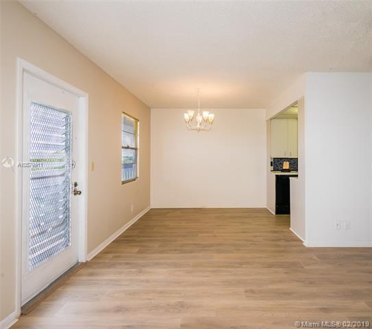 4035 Swansea B #4035, Deerfield Beach, FL 33442 (MLS #A10579911) :: Green Realty Properties