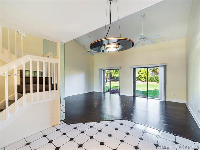 475 SE 14 Street, Dania Beach, FL 33004 (MLS #A10580408) :: RE/MAX Presidential Real Estate Group