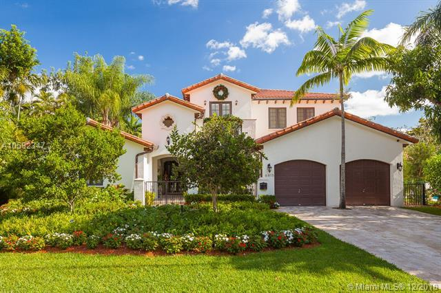 6815 Brighton Pl, Coral Gables, FL 33133 (MLS #A10582347) :: The Jack Coden Group