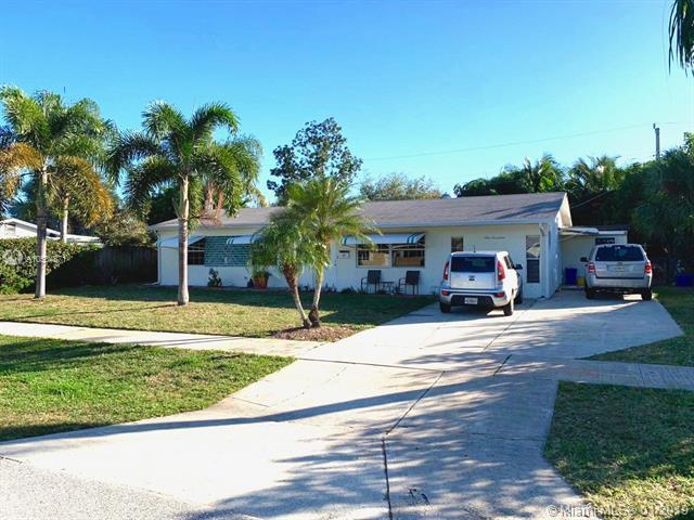 917 Eucalyptus Rd, North Palm Beach, FL 33408 (MLS #A10584871) :: The Paiz Group