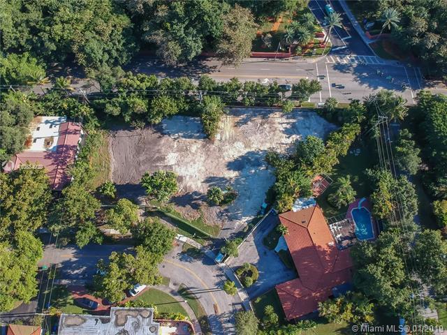 231 E Shore Drive East, Miami, FL 33133 (MLS #A10584929) :: The Riley Smith Group