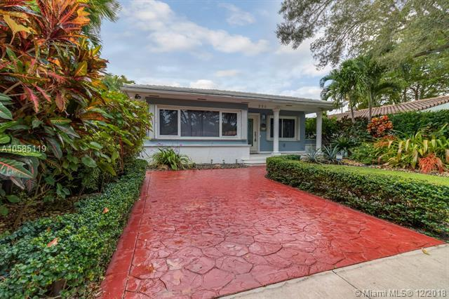 250 NE 97th St, Miami Shores, FL 33138 (MLS #A10585119) :: Hergenrother Realty Group Miami