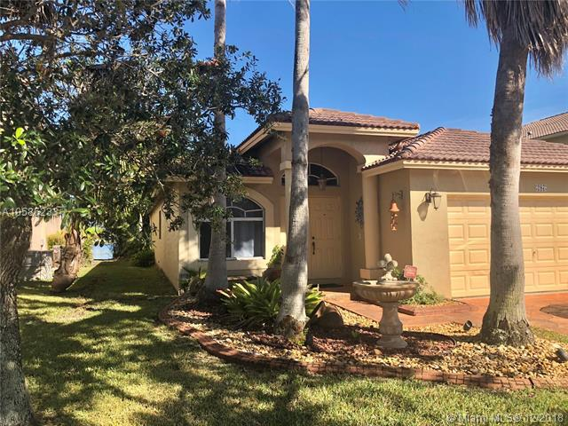 287 SW 206th Ave, Pembroke Pines, FL 33029 (MLS #A10585233) :: The Jack Coden Group