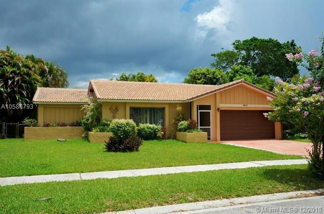 9811 NW 26th Court, Coral Springs, FL 33065 (MLS #A10586793) :: Green Realty Properties