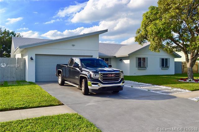 1327 Scottsdale Rd W, West Palm Beach, FL 33417 (MLS #A10587024) :: The Teri Arbogast Team at Keller Williams Partners SW