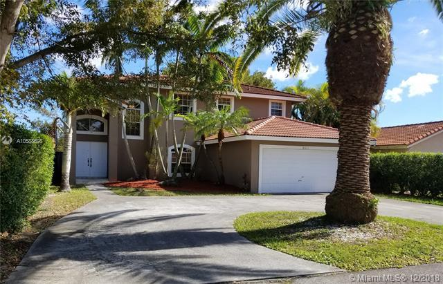14001 SW 152 CT, Unincorporated Dade County, FL 33196 (MLS #A10588698) :: Green Realty Properties