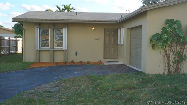 8280 SW 9th St, North Lauderdale, FL 33068 (MLS #A10590244) :: The Teri Arbogast Team at Keller Williams Partners SW