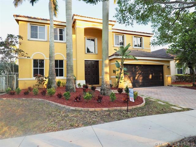 547 Penta Ct, Weston, FL 33327 (MLS #A10590357) :: The Chenore Real Estate Group