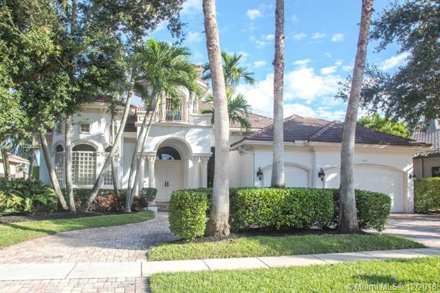 10787 Blue Palm St, Plantation, FL 33324 (MLS #A10590601) :: The Teri Arbogast Team at Keller Williams Partners SW