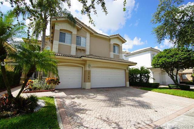 10744 NW 70 ST, Doral, FL 33178 (MLS #A10593685) :: Grove Properties