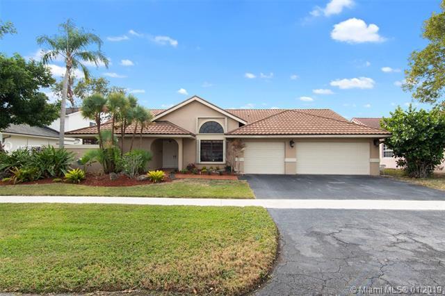 16931 SW 4th Ct, Weston, FL 33326 (MLS #A10593975) :: The Paiz Group