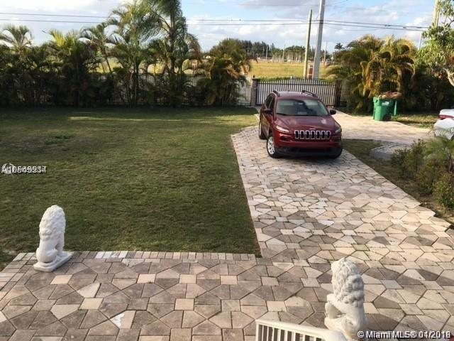 21600 SW 177th Ave, Miami, FL 33170 (MLS #A10595634) :: The Teri Arbogast Team at Keller Williams Partners SW