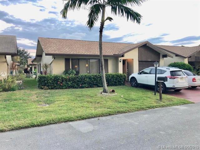 1534 SW 22nd Way, Deerfield Beach, FL 33442 (MLS #A10596149) :: Berkshire Hathaway HomeServices EWM Realty