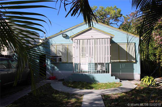 9720 NW 2nd Ave, Miami Shores, FL 33150 (MLS #A10596652) :: Laurie Finkelstein Reader Team